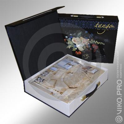 Упаковка для постельного белья с откидывающейся крышкой